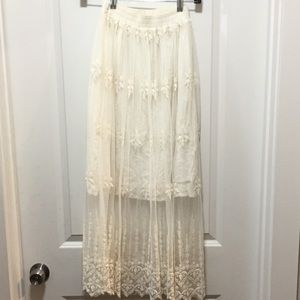 ASTR ivory lace skirt sheer with slip
